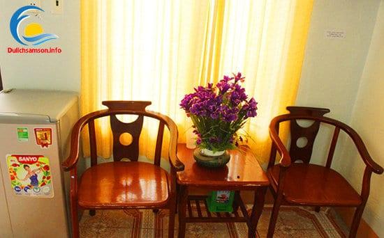 Bàn tiếp khách tại khách sạn Minh Vân Sầm Sơn