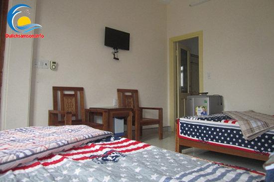 Giường đôi khách sạn Trung Lan Sầm Sơn