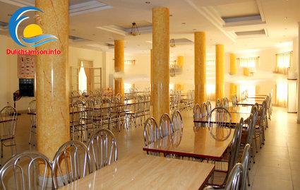 Phòng ăn khách sạn Bộ Tư Lệnh Lăng Sầm Sơn