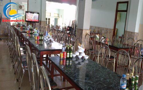 Phòng ăn Khách sạn Hoàng Long Sầm Sơn