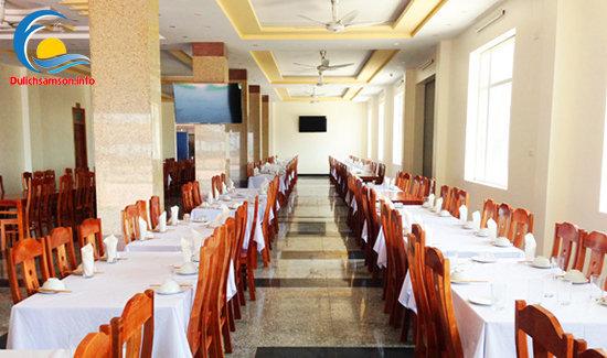 Phòng ăn khách sạn Kim Xuyến Sầm Sơn