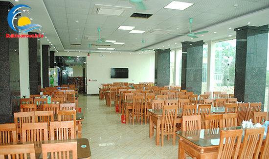 Phòng ăn khách sạn Nhân Đức Sầm Sơn