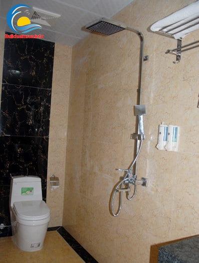 Phòng tắm khách sạn Hoàng Kim Sầm Sơn
