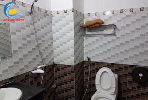 Phòng tắm Khách sạn Hoàng Long Sầm Sơn
