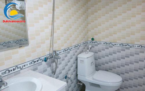 Phòng tắm khách sạn Kim Xuyến Sầm Sơn