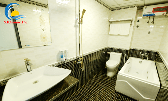Phòng tắm khách sạn Thanh Long Sầm Sơn