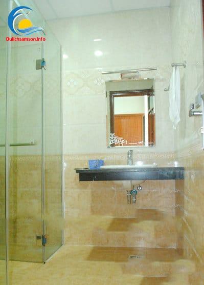 Phòng vệ sinh Khách sạn Nhân Đức Sầm Sơn