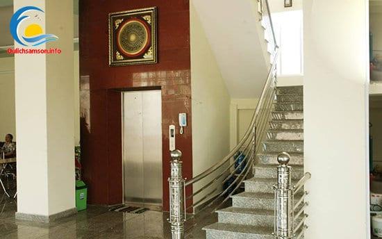 Thang máy khách sạn Phú Hồng Sầm Sơn