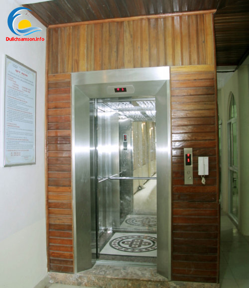 Thang máy khách sạn Vân Thành Sầm Sơn
