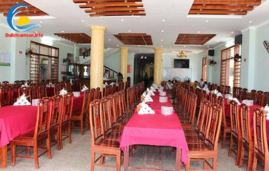 Phòng ăn tại khách sạn Sơn Trang 2 Sầm Sơn