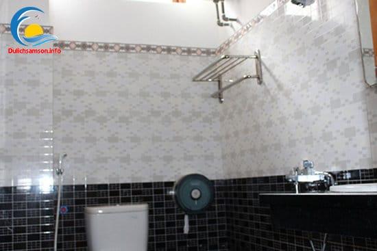 Phòng tắm khách sạn Sơn Trang 2 Sầm Sơn